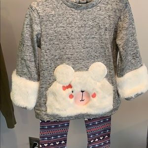 Other - Adorable girls faux fur sweatshirt and leggings